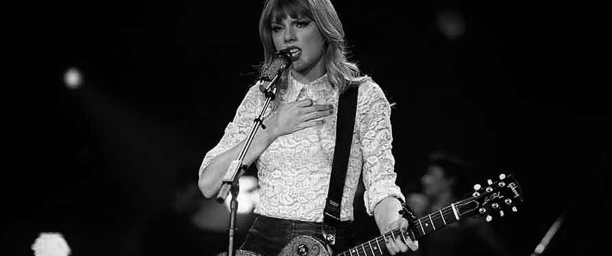 Kan en pige spille guitar?
